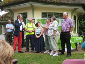 Mayor George Ferguson presenting the certificate for Netham Park